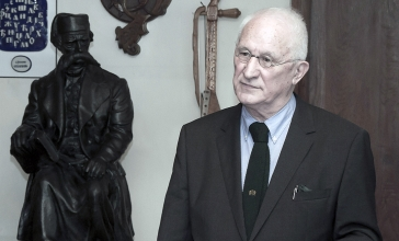 Studenti FSU-a čitali sonete Matije Bećkovića